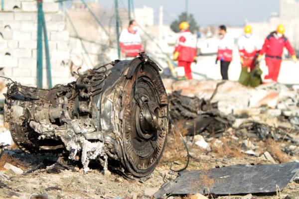 Reševalna ekipa na mesu strmoglavljenja letala 752
